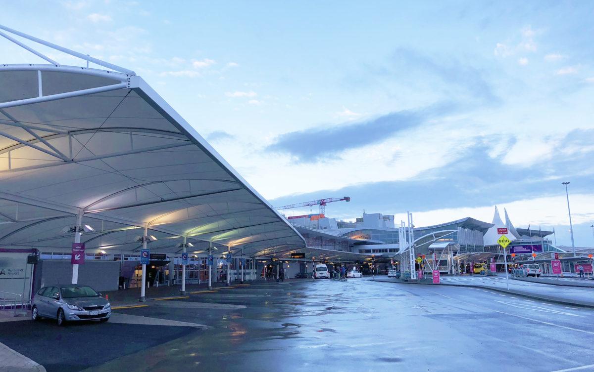 オークランド空港から徒歩圏内のホテルは2ヶ所だけ!